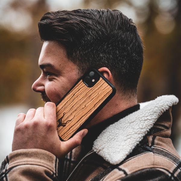 Houten iPhone 11 case - Character